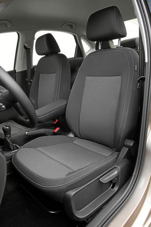 Polo-sedan-salon-foto