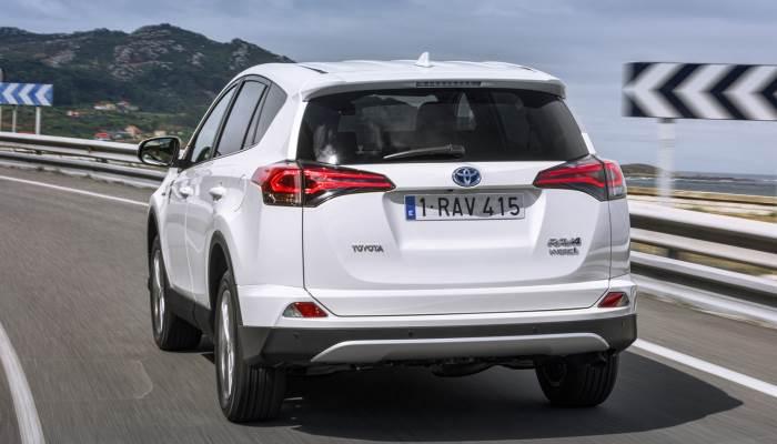 fotografii-Toyota Rav 4