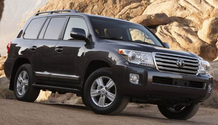 foto-Toyota-Land-Cruiser-200-2014