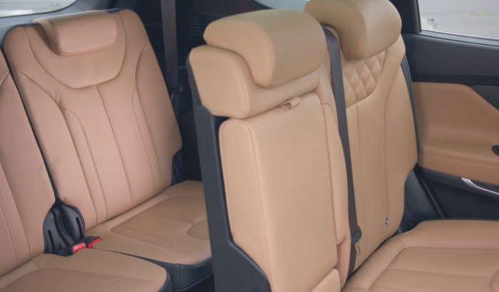 Хендай Санта Фе 2021 фото третьего ряда сидений