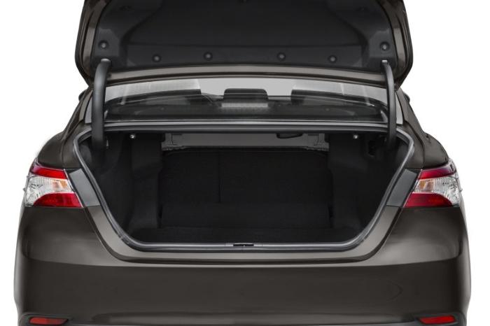новая тойота камри 2021 фото багажника