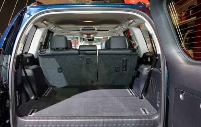 новый тойота прадо 2021 фото багажника