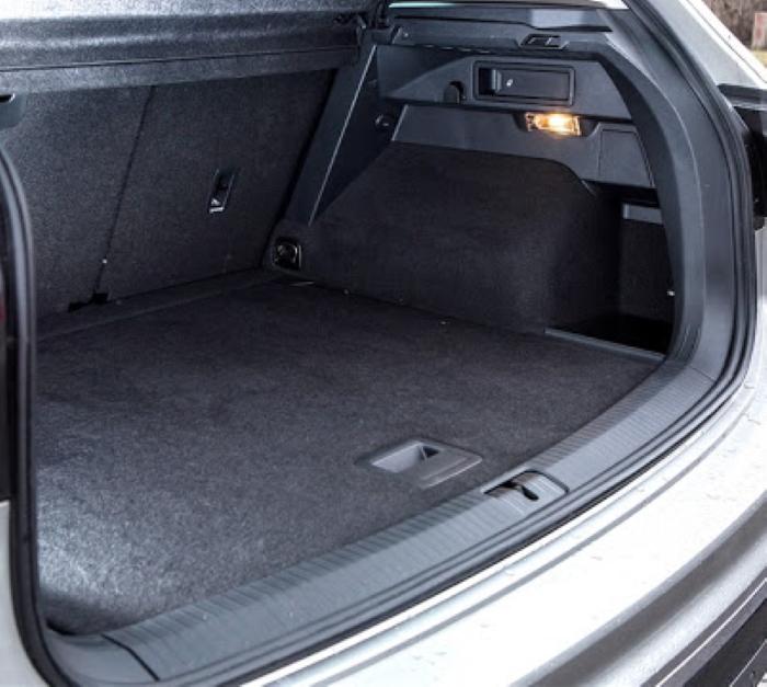 новый Фольксваген Тигуан 2021 фото багажника