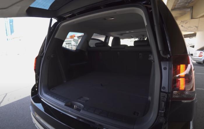 Новый Киа Мохаве 2020 фото багажника