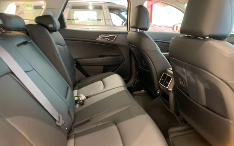 Задний ряд сидений Kia Sportage 2022